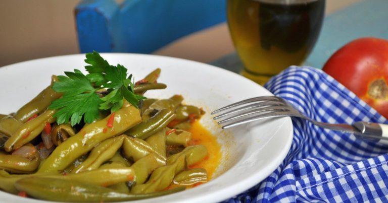 Fasolakia prasina (φασολάκια πράσινα) -  Grüne Bohnen mit Tomaten