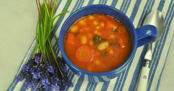 Fasolada (φασολάδα) - Traditionelle griechische Bohnensuppe